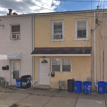 Rent this 3 bed apartment on 719 North 8th Street in Philadelphia, PA 19123
