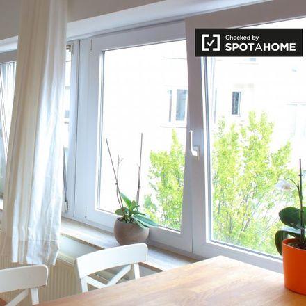 Rent this 1 bed apartment on Sacré-Coeur de Lindthout in Avenue Henri Dietrich - Henri Dietrichlaan 20, 1040 Etterbeek