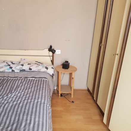 Rent this 4 bed room on Calle del Medio in 39003 Santander, Cantabria