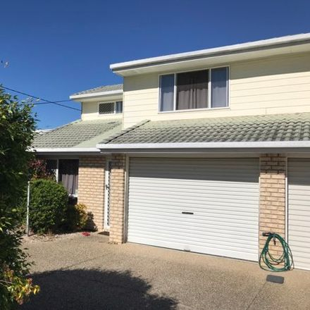 Rent this 2 bed townhouse on 1/80 Pembroke Street