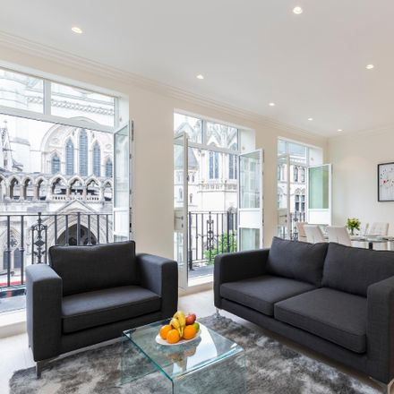 Rent this 3 bed apartment on 12 Devereux Ct in Holborn, London WC2R 3JJ