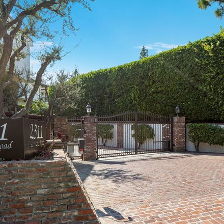 Rent this 3 bed condo on 2311 Roscomare Road in Los Angeles, CA 90077