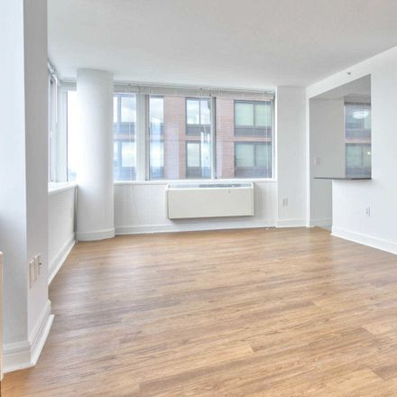 Rent this 3 bed apartment on Haaren Hall in 899 10th Avenue, New York