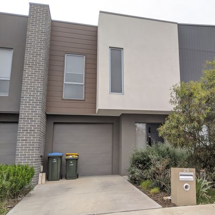 Rent this 3 bed townhouse on 25 Roosevelt Way