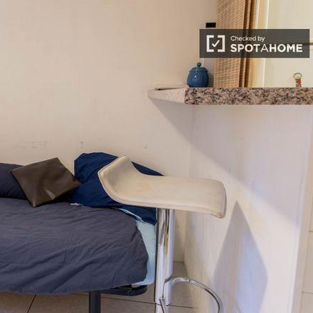 Rent this 2 bed room on 67 Rue de l'Avenir in 92170 Vanves, France