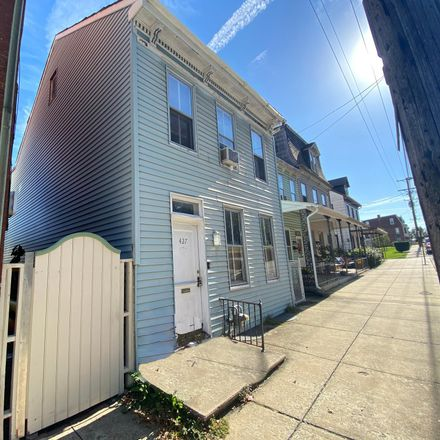 Rent this 3 bed house on 427 North Newberry Street in York, PA 17401