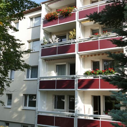 Rent this 2 bed apartment on Am Hohen Hain in 09212 Limbach-Oberfrohna, Germany