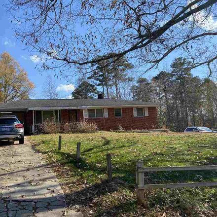 Rent this 2 bed house on 105 South Davis Drive in Carolina Heights, SC 29611