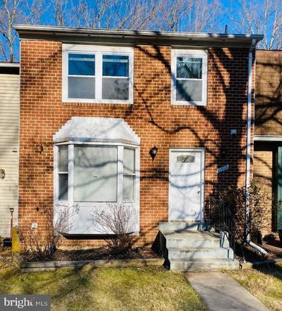 Rent this 3 bed townhouse on 11553 Summer Oak Drive in Germantown, MD 20874