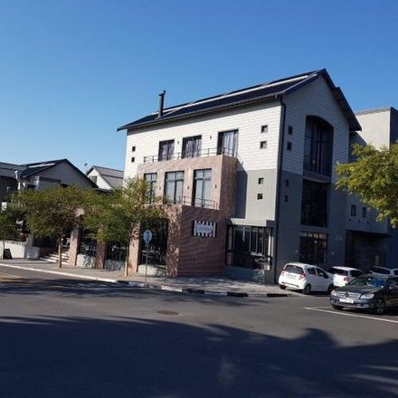 Rent this 3 bed apartment on McDonald's in Wellington Road, Cape Town Ward 112