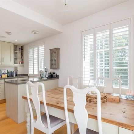 Rent this 1 bed apartment on Quality Fish Restaurant in 11 King Street, London TW9 1ND