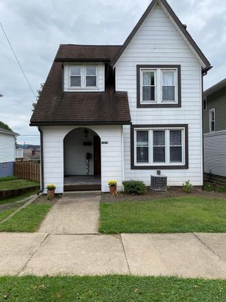 Rent this 3 bed house on 1415 5th Street in Moundsville, WV 26041