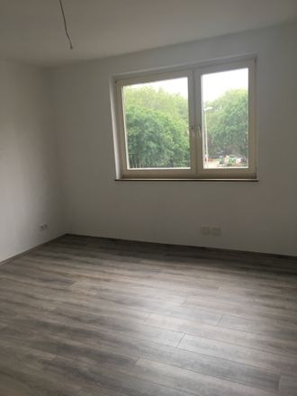 Rent this 3 bed apartment on Bochumer Straße 18 in 45879 Gelsenkirchen, Germany