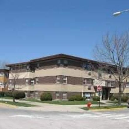 Rent this 2 bed condo on 30 Conti Parkway in Elmwood Park, IL 60707