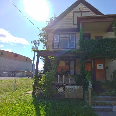 Rent this 6 bed townhouse on 123 Warner Avenue in Syracuse, NY 13205