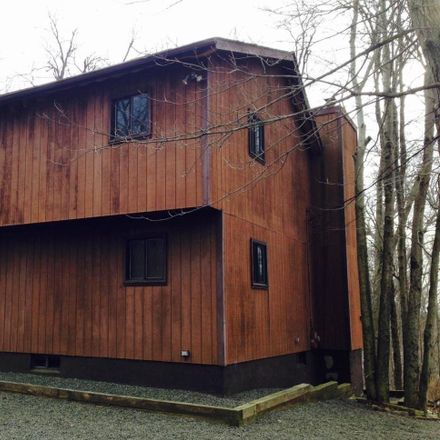 Rent this 3 bed loft on 2674 Highview Dr in Tobyhanna, PA