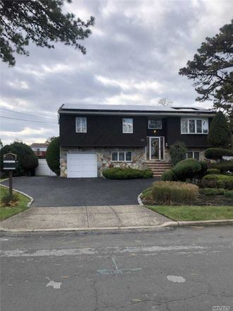 Rent this 5 bed house on 655 Grand Avenue in Lindenhurst, NY 11757