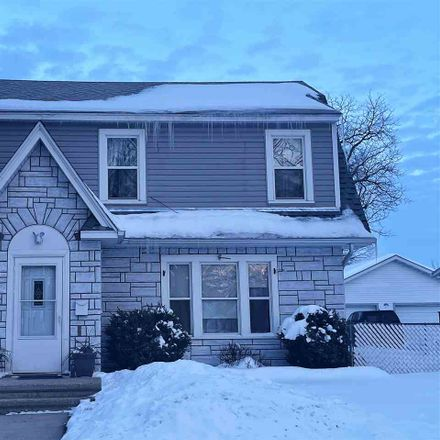 Rent this 3 bed house on 933 Garfield Avenue in City of Beloit, WI 53511
