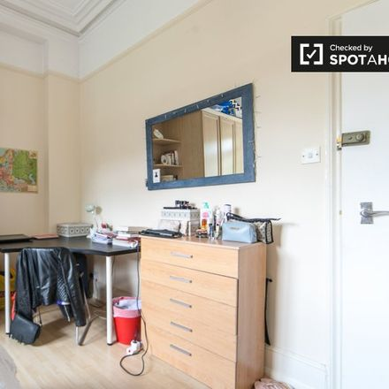 Rent this 3 bed apartment on Petherton Road in London N5 2QZ, United Kingdom