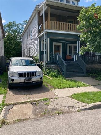 Rent this 3 bed apartment on 28 Fairfield Avenue in Buffalo, NY 14214