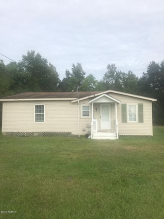 Rent this 2 bed house on Gardner Dr in Frogmore, SC