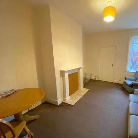 Rent this 2 bed apartment on back Westbourne Avenue in Gateshead NE8 4NQ, United Kingdom