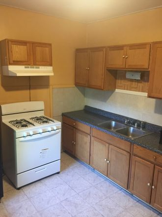 Rent this 3 bed townhouse on West Chicago Avenue in Oak Park, IL 60651