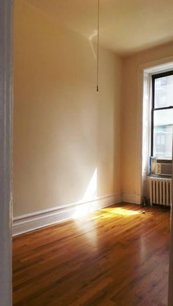 Rent this 3 bed apartment on 201 East 82nd Street in New York, NY 10028