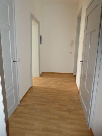Rent this 3 bed apartment on Marienthaler Straße 3 in 08056 Zwickau, Germany
