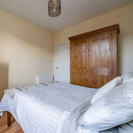 Rent this 3 bed apartment on 28 Hutchison View in City of Edinburgh EH14 1RX, United Kingdom
