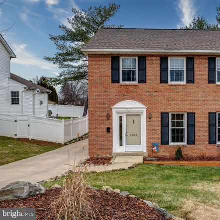Rent this 3 bed loft on Donna Avenue in Milmont, PA 19094