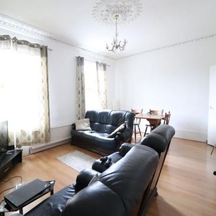 Rent this 4 bed house on Ronaldshay in Marquis Road, London N4 4DJ