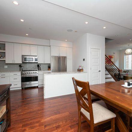 Rent this 4 bed apartment on 519 Bainbridge Street in Philadelphia, PA 19147