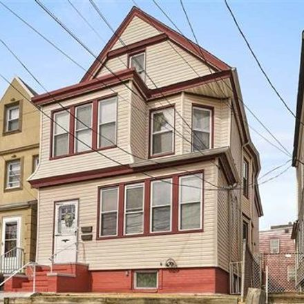 Rent this 5 bed duplex on 631 Avenue E in Bayonne, NJ 07002