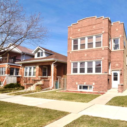 Rent this 6 bed duplex on West Roscoe Street in Chicago, IL 60641
