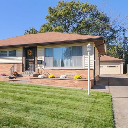 Rent this 3 bed house on 7356 Oakwood Road in Parma, OH 44130