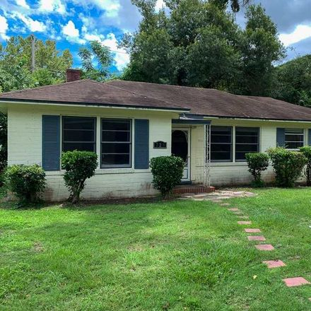 Rent this 3 bed apartment on 729 Northwest 10th Avenue in City of Gainesville Municipal Boundaries, FL 32601
