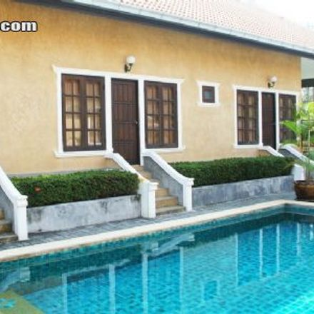 Rent this 3 bed house on Sukhumvit Road in Pattaya, Chon Buri Province 20150