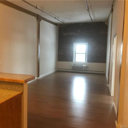 Rent this 3 bed apartment on Hiawatha Blvd E in Syracuse, NY