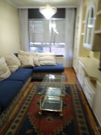 Rent this 1 bed room on Calle Castrelos in 32, 36210