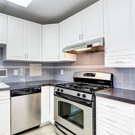 Rent this 2 bed condo on Friendship Blvd in Chevy Chase, MD