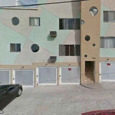Rent this 1 bed condo on S St Andrews Pl in Los Angeles, CA