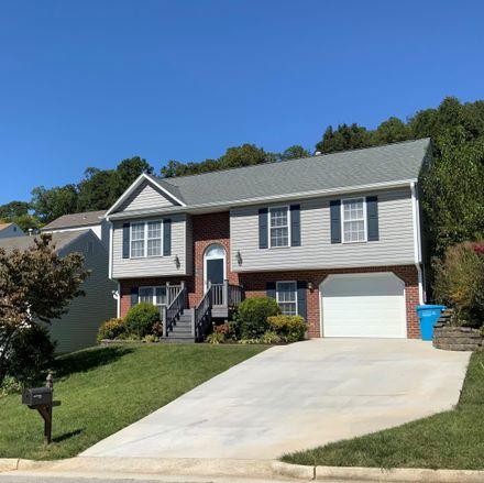 Rent this 3 bed house on Meadow Crossing Ln NE in Roanoke, VA