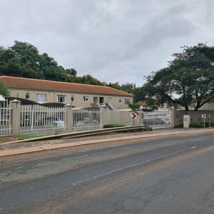 Rent this 2 bed townhouse on 79 Carol Avenue in Val-de-Grâce, Pretoria