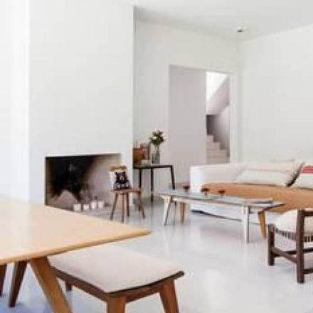 Rent this 4 bed apartment on Nani Helados in Boulevard Oeste, Partido de Tigre