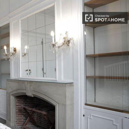Rent this 4 bed apartment on Centre évangélique in Avenue Van Volxem - Van Volxemlaan 194, 1190 Forest - Vorst