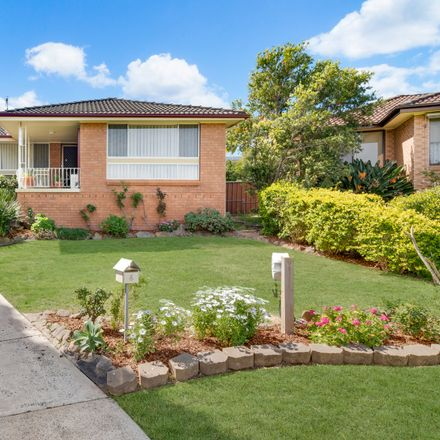 Rent this 3 bed house on 6 Ray Place
