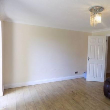 Rent this 3 bed house on Luton LU3 3TJ
