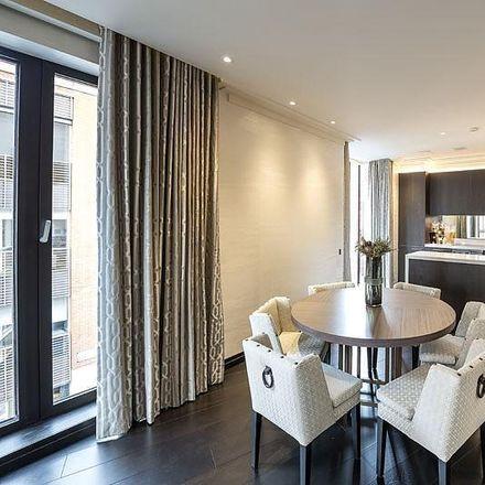 Rent this 3 bed apartment on Pavilion in Rysbrack Street, London SW1X 0HJ