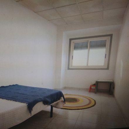 Rent this 2 bed room on Calle de Barrioverde in 50002 Zaragoza, España